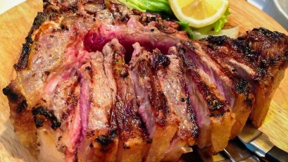 Bistecca alla Fiorentina is Tuscany-shaped - My Travel in Tuscany