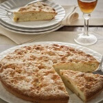 Schiaccia alla campigliese tuscan cake Tuscany
