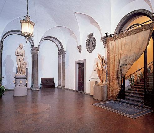 the atrium palazzo Borghese Florence