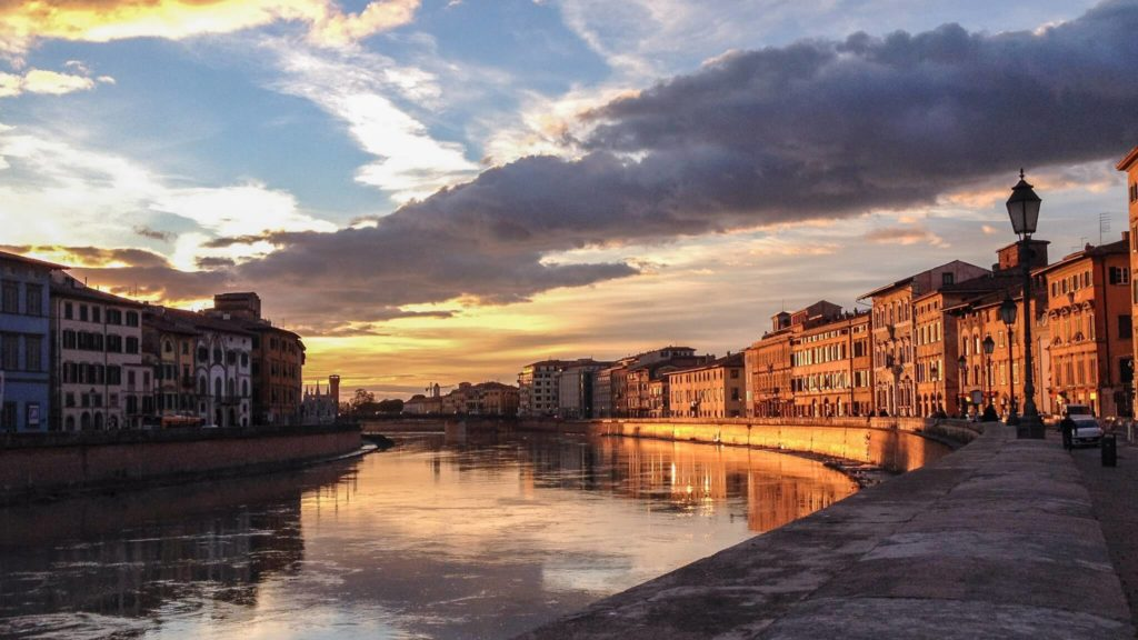 Things to do in pisa lungarni