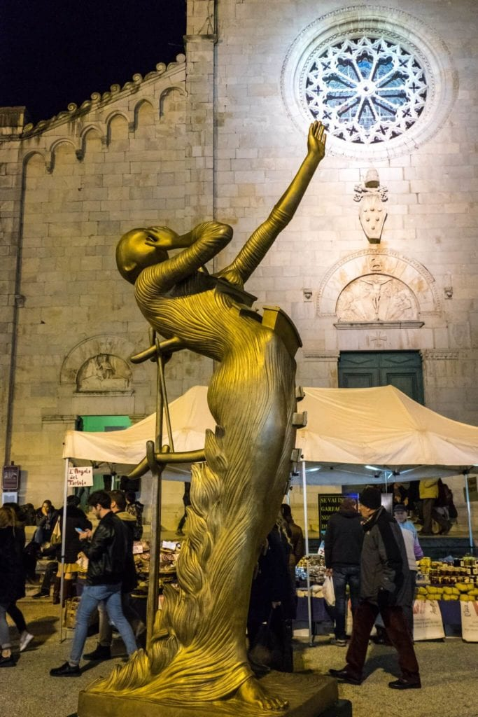 Woman Aflame Dalì in Pietrasanta
