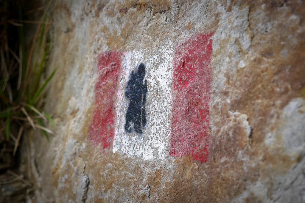 A sign for pilgrims along the Via Francigena