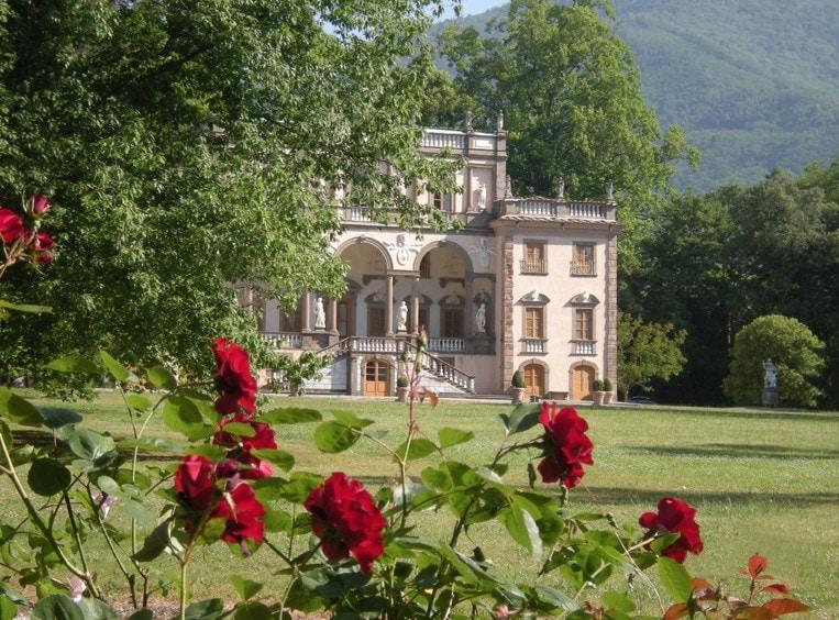 spring travel, Villas near Lucca