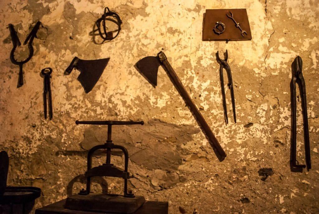 torture devices fosdinovo castle