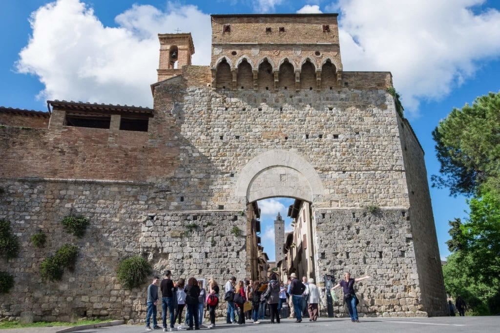 Porta San Giovanni - Unconventional tour of San Gimignano