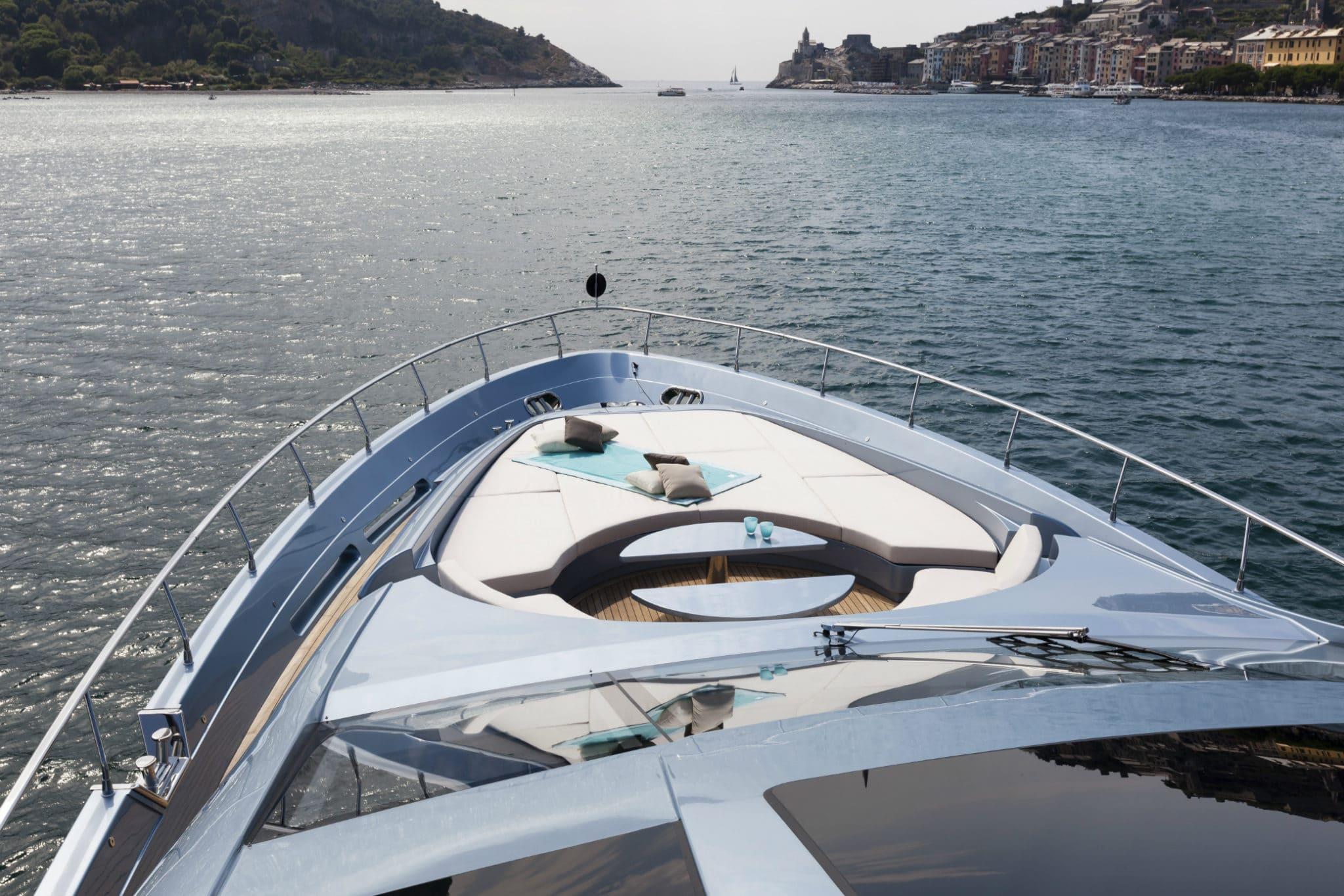 Yacht in Portovenere
