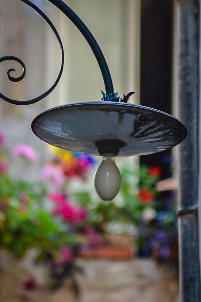 Lamp in the street in lucca - What to do in Lucca for a half day
