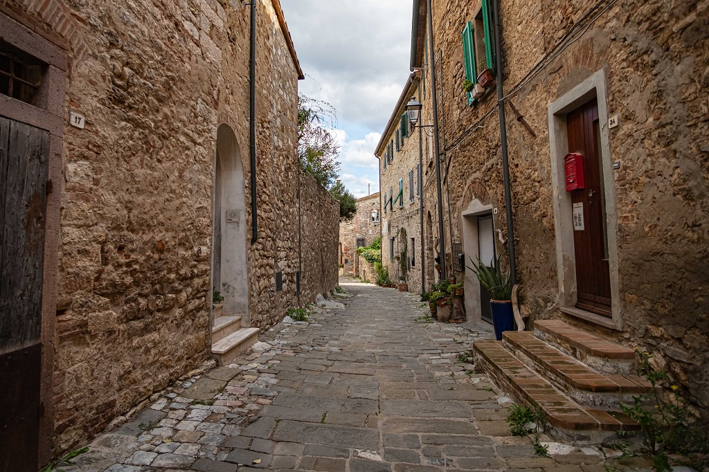 a paved street in Suvereto Tuscany