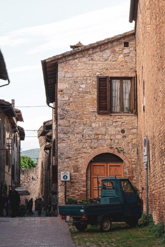 street of San Gimignano, from florence to San Gimignano