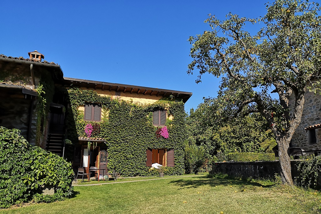the garden of Agriturismo Braccicorti, Garfagnana, Tuscany