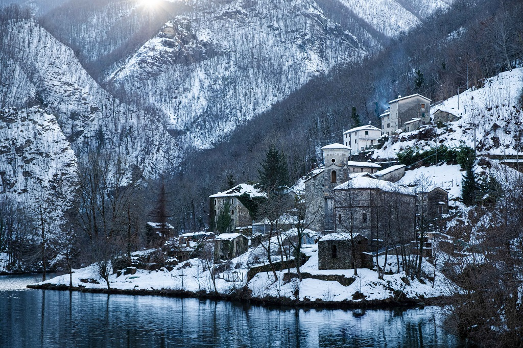 Isola Santa in winter under the snow